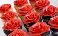 Red Flowers Icing On The Cake 6 Background Wallpaper