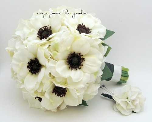 White flowers with black center 10 cool wallpaper white flowers with black center free wallpaper mightylinksfo