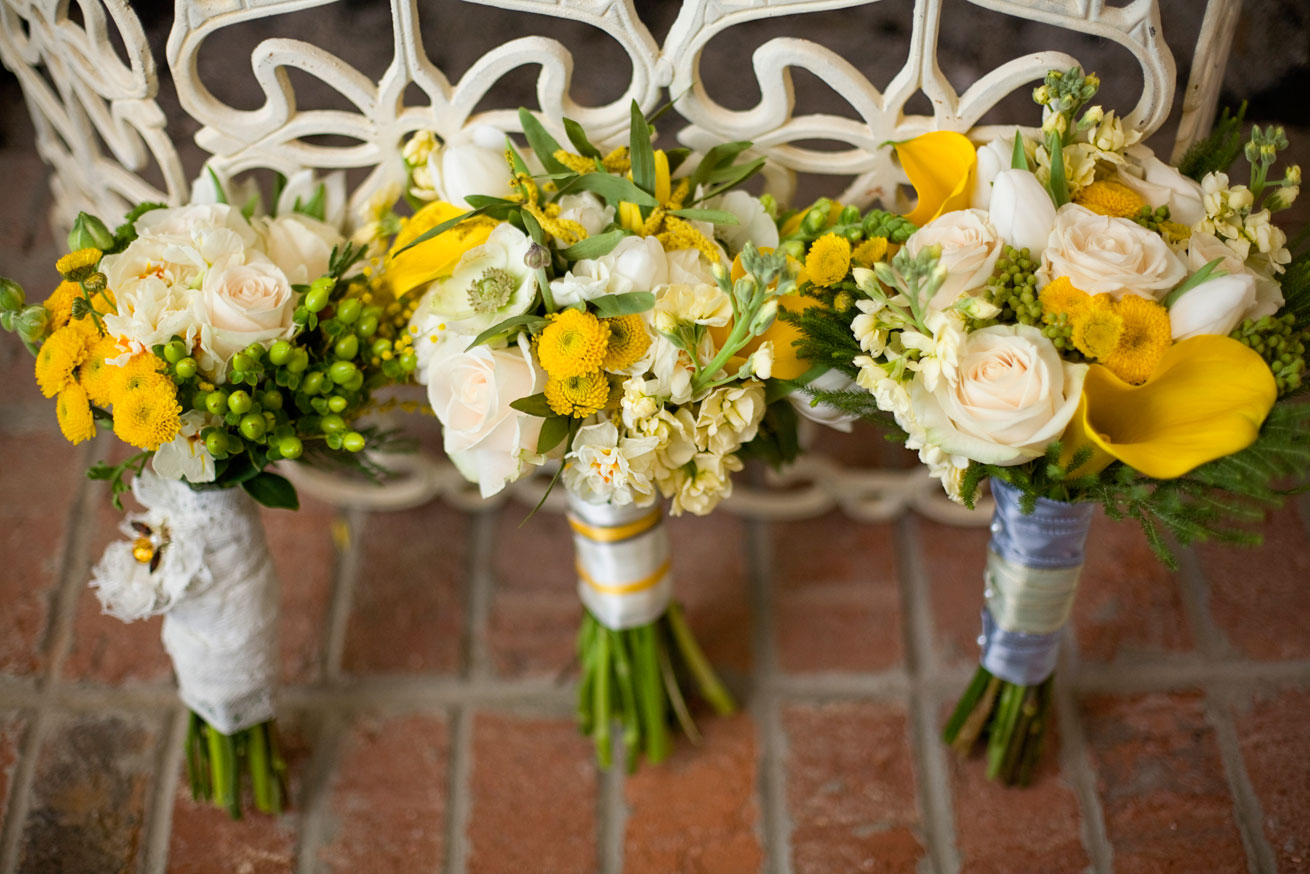 Fantastic white and yellow wedding flowers photos wedding and blue yellow flowers wedding 21 cool wallpaper hdflowerwallpaper izmirmasajfo Image collections