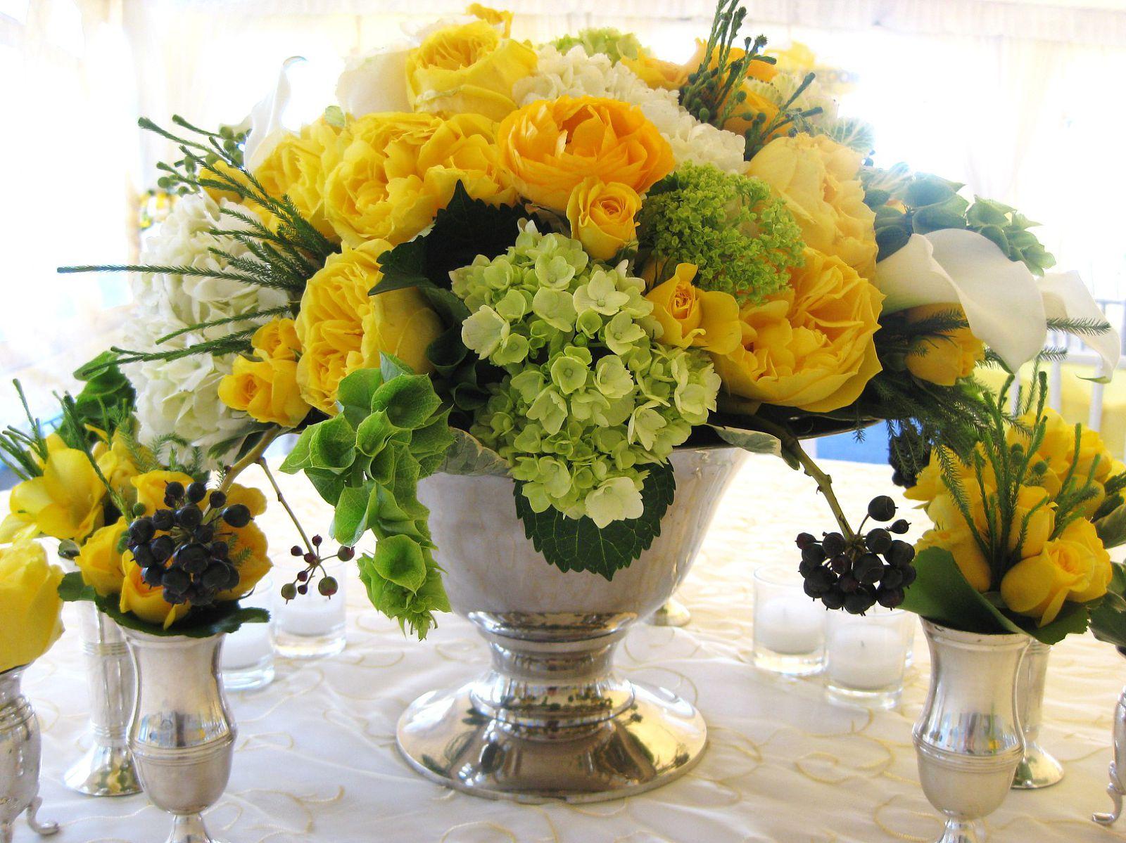 Yellow rose flower arrangements 34 cool wallpaper yellow rose flower arrangements free wallpaper izmirmasajfo